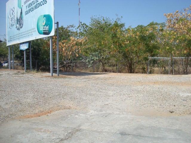 Edificio Zulia>Maracaibo>Paraiso - Venta:732.871.000.000 Precio Referencial - codigo: 15-5169