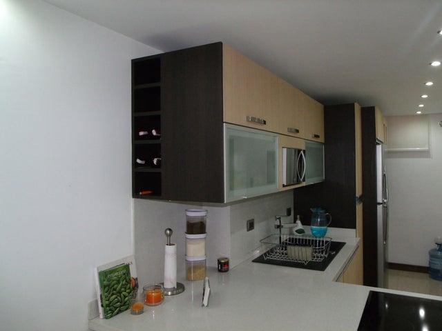 Apartamento Distrito Metropolitano>Caracas>Colinas de La Tahona - Venta:28.846.000.000 Bolivares Fuertes - codigo: 15-5220