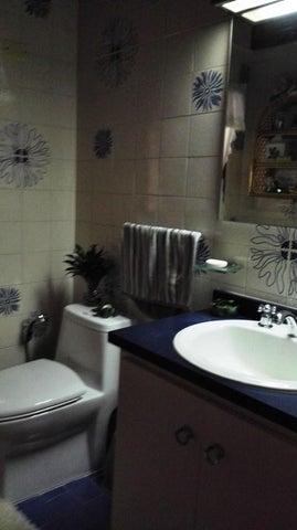 Casa Distrito Metropolitano>Caracas>La Lagunita Country Club - Venta:135.352.000.000 Bolivares - codigo: 15-5224