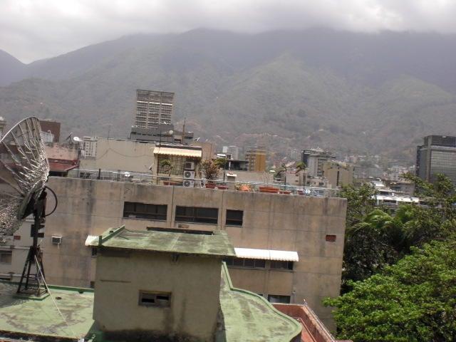 Oficina Distrito Metropolitano>Caracas>Altamira - Venta:67.676.000.000 Bolivares - codigo: 15-5245