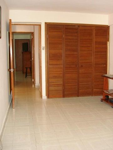 Apartamento Miranda>San Antonio de los Altos>Los Salias - Venta:35.191.000.000 Bolivares Fuertes - codigo: 15-5362