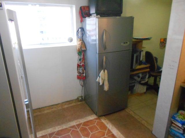 Apartamento Distrito Metropolitano>Caracas>Artigas - Venta:14.000 US Dollar - codigo: 15-5481