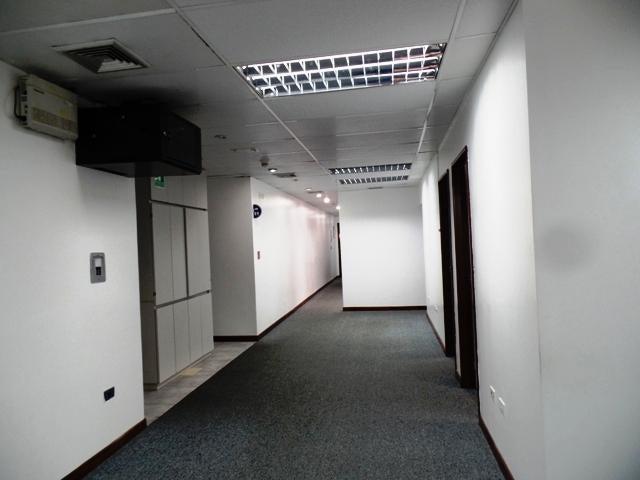 Oficina Distrito Metropolitano>Caracas>Altamira - Venta:101.843.000.000 Bolivares - codigo: 15-5329