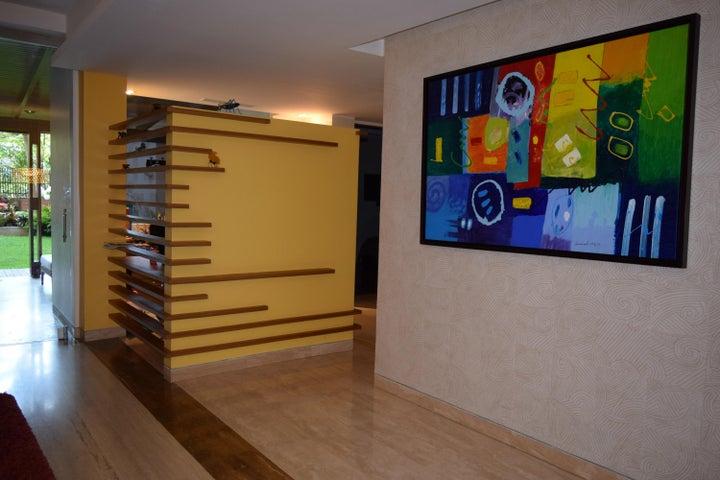 Apartamento Distrito Metropolitano>Caracas>La Tahona - Venta:317.467.000.000 Precio Referencial - codigo: 15-5430