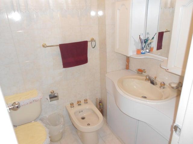 Apartamento Distrito Metropolitano>Caracas>Miranda - Venta:343.884.000.000 Precio Referencial - codigo: 15-5482