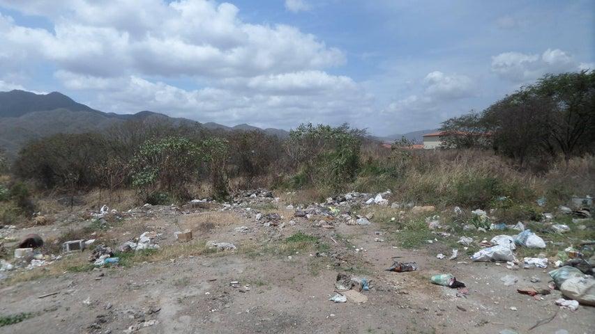 Terreno Miranda>Guatire>Sector San Pedro - Venta:500.000 Precio Referencial - codigo: 15-5579