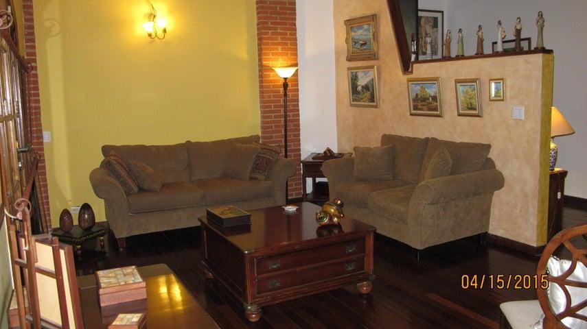 Casa Distrito Metropolitano>Caracas>Prados del Este - Venta:419.320.000.000 Precio Referencial - codigo: 15-5458