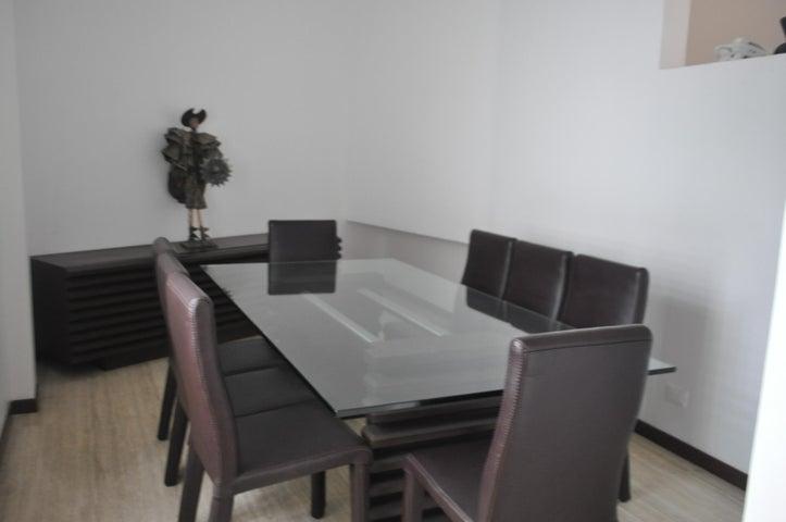 Casa Distrito Metropolitano>Caracas>La Tahona - Venta:95.751.000.000 Bolivares - codigo: 15-5452