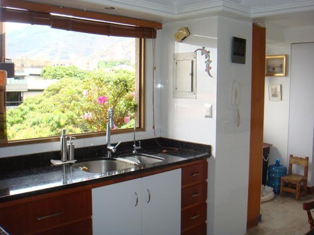 Apartamento Distrito Metropolitano>Caracas>Santa Eduvigis - Venta:226.261.000.000 Precio Referencial - codigo: 15-5451