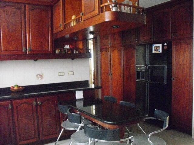 Casa Distrito Metropolitano>Caracas>Los Naranjos del Cafetal - Venta:241.485.000.000 Precio Referencial - codigo: 15-5467