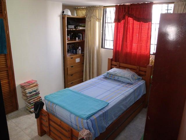 Apartamento Distrito Metropolitano>Caracas>Parroquia La Candelaria - Venta:38.481.000.000 Precio Referencial - codigo: 15-5465