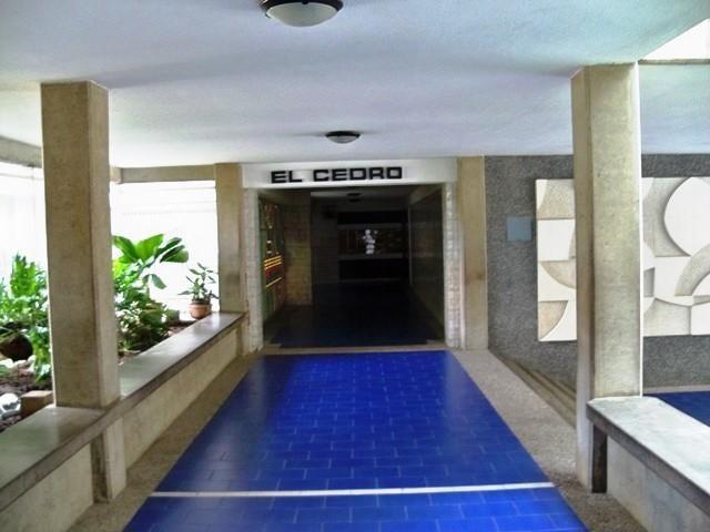 Apartamento Distrito Metropolitano>Caracas>Macaracuay - Venta:46.267.000.000 Bolivares Fuertes - codigo: 15-5475