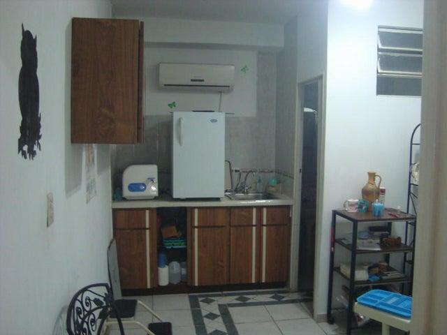 Galpon - Deposito Distrito Metropolitano>Caracas>Mariperez - Venta:102.500.000.000 Precio Referencial - codigo: 15-5510