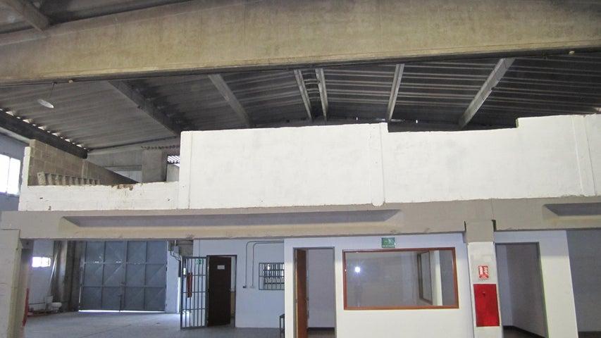 Galpon - Deposito Miranda>Guarenas>Sector Industrial Cloris - Venta:532.053.000.000 Precio Referencial - codigo: 15-5640