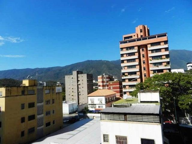 Apartamento Distrito Metropolitano>Caracas>Valle Abajo - Venta:18.429.000.000 Precio Referencial - codigo: 15-5558
