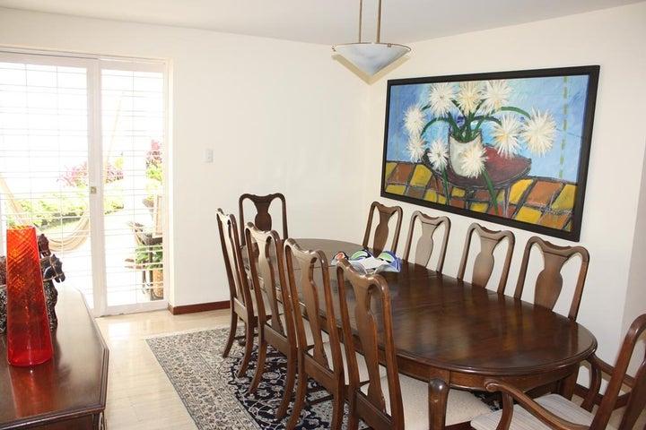 Casa Distrito Metropolitano>Caracas>Alta Florida - Venta:438.161.000.000 Precio Referencial - codigo: 15-5563