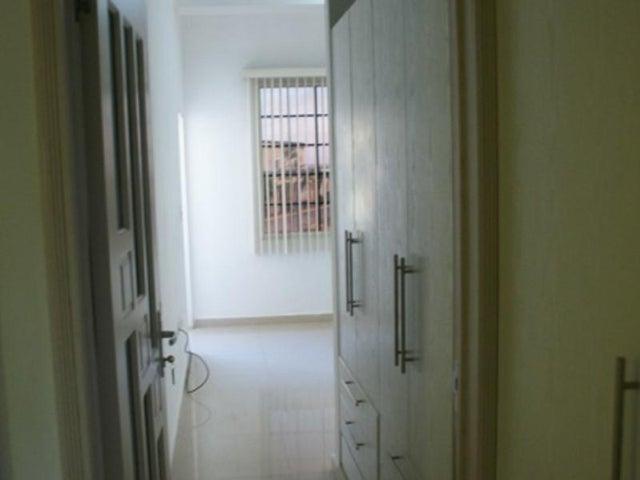 Townhouse Nueva Esparta>Margarita>El Morro - Venta:80.000 Precio Referencial - codigo: 15-5730