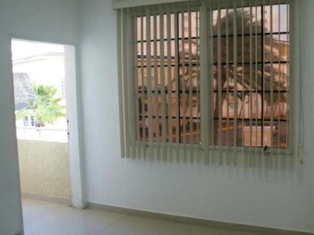 Townhouse Nueva Esparta>Margarita>El Morro - Venta:50.839.000.000 Precio Referencial - codigo: 15-5730