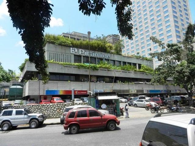 Local Comercial Distrito Metropolitano>Caracas>Prado Humboldt - Venta:15.756.000.000 Precio Referencial - codigo: 15-5744