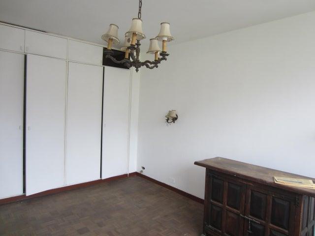 Apartamento Distrito Metropolitano>Caracas>La Florida - Venta:21.872.000.000 Bolivares Fuertes - codigo: 15-5752