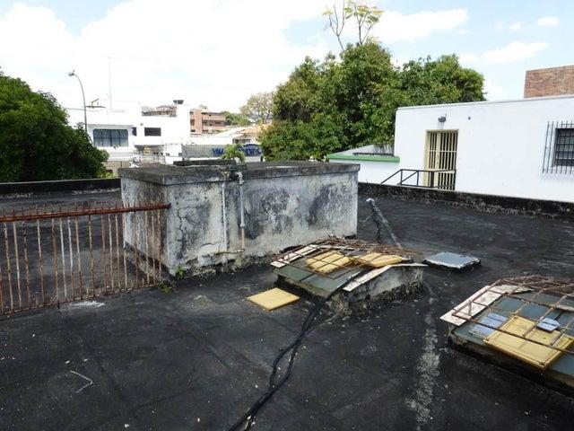 Casa Distrito Metropolitano>Caracas>Los Chaguaramos - Venta:122.145.000.000 Precio Referencial - codigo: 15-5765