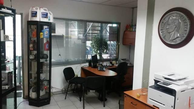 Negocios y Empresas Distrito Metropolitano>Caracas>Las Acacias - Venta:0 Bolivares - codigo: 15-5795