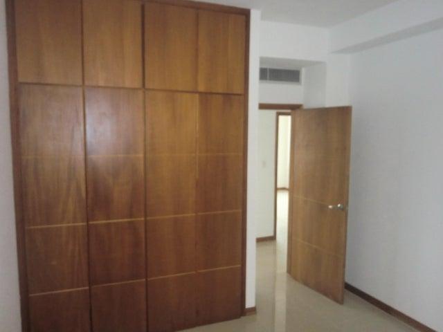 Apartamento Lara>Barquisimeto>Zona Este - Venta:66.726.000.000 Precio Referencial - codigo: 15-5798
