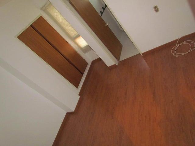 Apartamento Distrito Metropolitano>Caracas>Campo Alegre - Venta:375.550.000 Bolivares Fuertes - codigo: 15-5825
