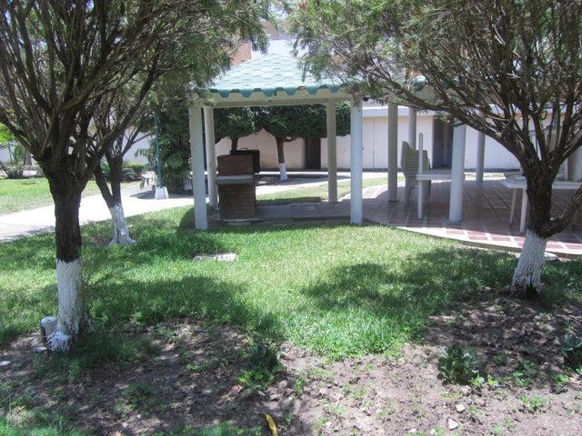 Apartamento Miranda>Higuerote>Agua Sal - Venta:20.000 Precio Referencial - codigo: 15-5926