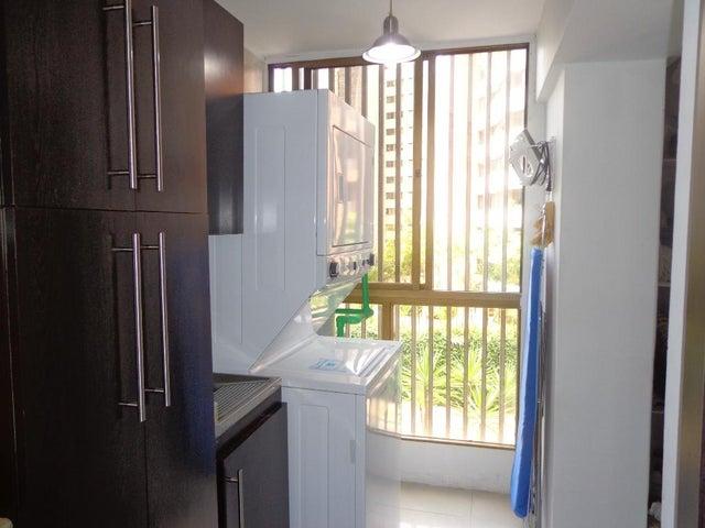 Apartamento Distrito Metropolitano>Caracas>Terrazas del Avila - Venta:923.000.000 Bolivares Fuertes - codigo: 15-5998
