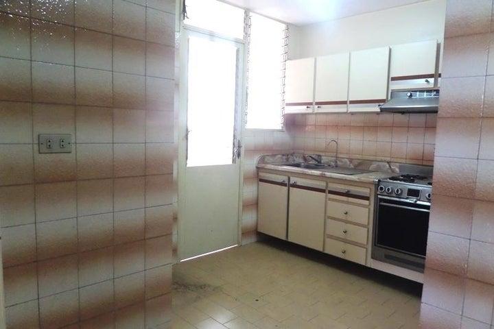 Apartamento Distrito Metropolitano>Caracas>Terrazas del Avila - Venta:70.548.000.000 Precio Referencial - codigo: 15-5939
