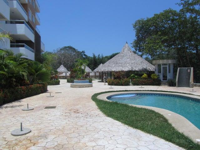 Apartamento Miranda>Higuerote>Agua Sal - Venta:13.856.000.000 Bolivares Fuertes - codigo: 15-5946