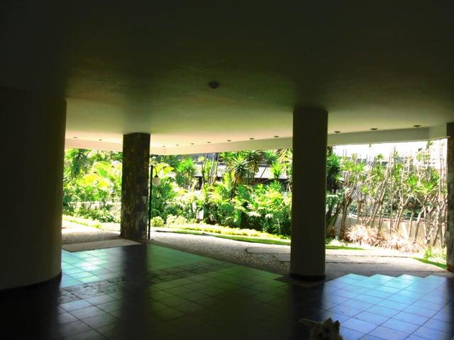 Apartamento Distrito Metropolitano>Caracas>Los Palos Grandes - Venta:169.738.000.000 Bolivares Fuertes - codigo: 15-5959