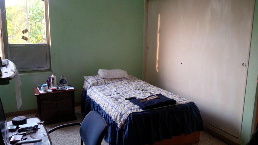 Apartamento Distrito Metropolitano>Caracas>El Paraiso - Venta:69.887.000.000 Precio Referencial - codigo: 15-6207
