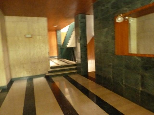 Apartamento Distrito Metropolitano>Caracas>Colinas de Bello Monte - Venta:13.880.000.000 Bolivares Fuertes - codigo: 15-6146