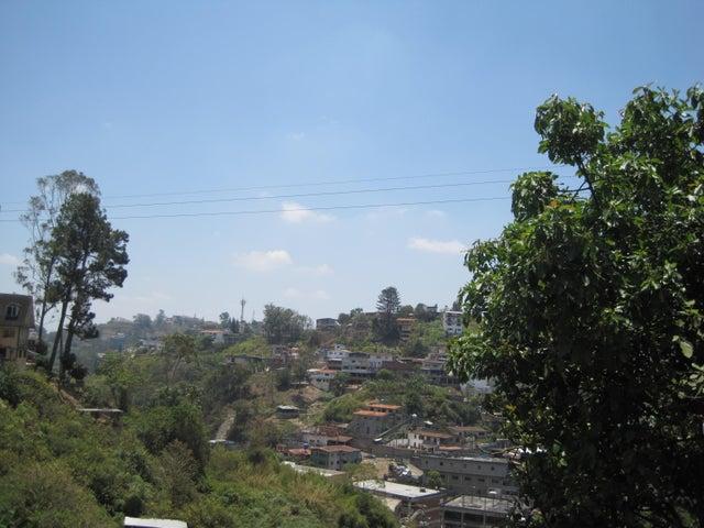 Apartamento Miranda>San Antonio de los Altos>Las Polonias Viejas - Venta:258.941.000.000 Precio Referencial - codigo: 15-6105