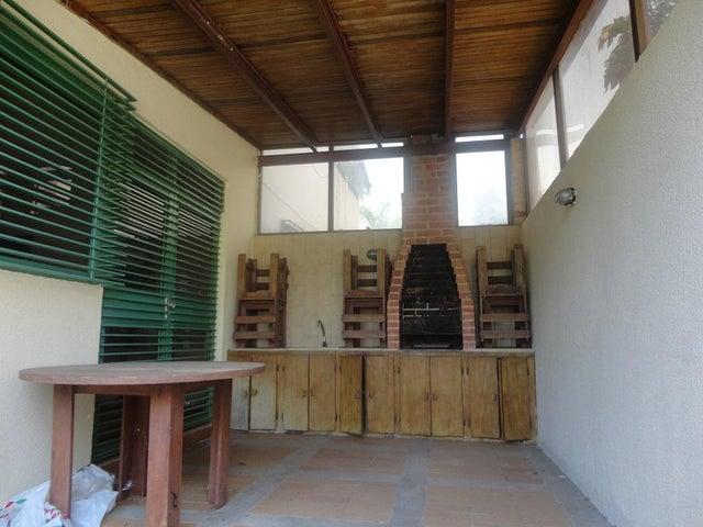 Casa Distrito Metropolitano>Caracas>Lomas de La Lagunita - Venta:92.091.000.000 Bolivares - codigo: 15-6127