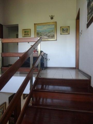 Casa Distrito Metropolitano>Caracas>Lomas de La Lagunita - Venta:256.539.000.000  - codigo: 15-6127
