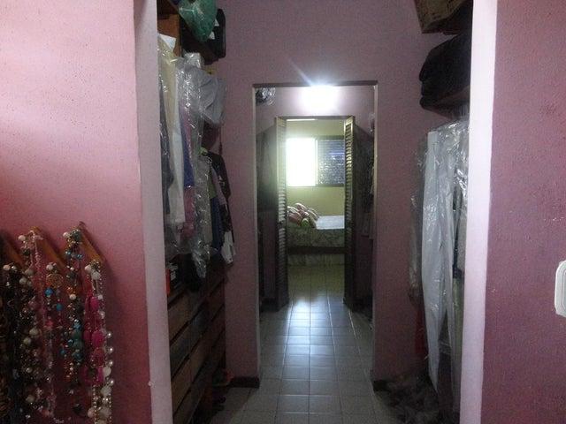 Casa Distrito Metropolitano>Caracas>Lomas de La Lagunita - Alquiler:679.000.000 Bolivares - codigo: 15-6129