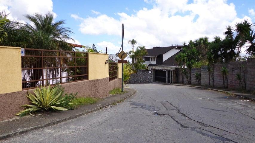 Terreno Distrito Metropolitano>Caracas>La Lagunita Country Club - Venta:127.704.000.000 Precio Referencial - codigo: 15-3190