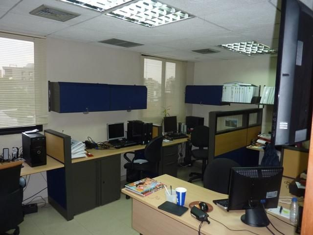 Oficina Distrito Metropolitano>Caracas>Los Dos Caminos - Venta:62.594.000.000 Precio Referencial - codigo: 15-6214