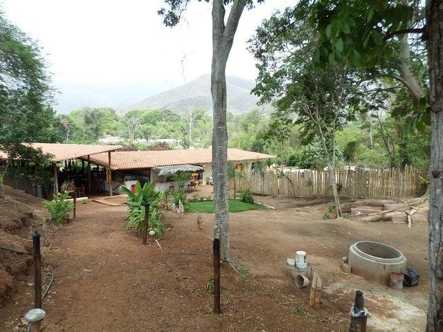 Negocios y Empresas Aragua>Choroni>Sector El Portete - Venta:0 Bolivares - codigo: 15-6444