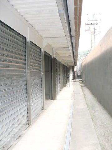 Local Comercial Distrito Metropolitano>Caracas>Cementerio - Venta:2.115.000.000 Bolivares - codigo: 15-6192