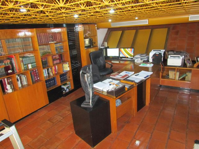 Casa Distrito Metropolitano>Caracas>Los Naranjos del Cafetal - Venta:549.653.000.000 Precio Referencial - codigo: 15-6235