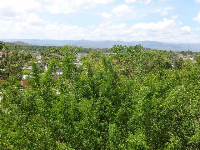 Terreno Miranda>Valles del Tuy>Santa Teresa del Tuy - Venta:90.530.000.000 Precio Referencial - codigo: 15-6252