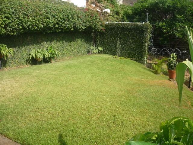 Casa Lara>Barquisimeto>El Pedregal - Venta:161.535.000.000 Bolivares Fuertes - codigo: 15-6305