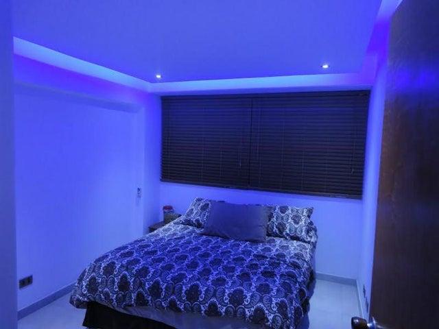 Apartamento Miranda>Higuerote>Puerto Encantado - Venta:14.965.000.000 Bolivares Fuertes - codigo: 15-6372