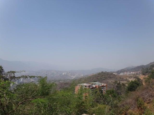 Terreno Distrito Metropolitano>Caracas>Los Naranjos del Cafetal - Venta:117.501.000.000 Bolivares - codigo: 15-6468