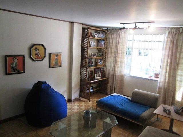 Apartamento Distrito Metropolitano>Caracas>Colinas de Bello Monte - Venta:24.216.000.000 Bolivares Fuertes - codigo: 15-6473