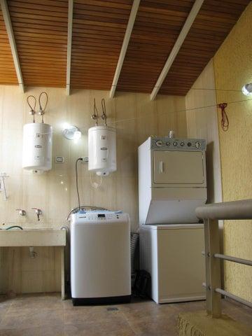 Casa Distrito Metropolitano>Caracas>Lomas de Prados del Este - Venta:181.705.000.000 Precio Referencial - codigo: 15-6439
